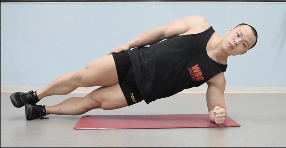 筋肉 プランク 鍛え られる