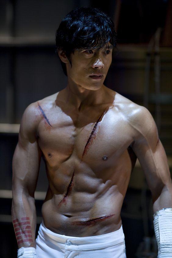 【画像集】イビョンホンの筋肉が凄い!身長・体重〜筋トレ・食事方法まで紹介!